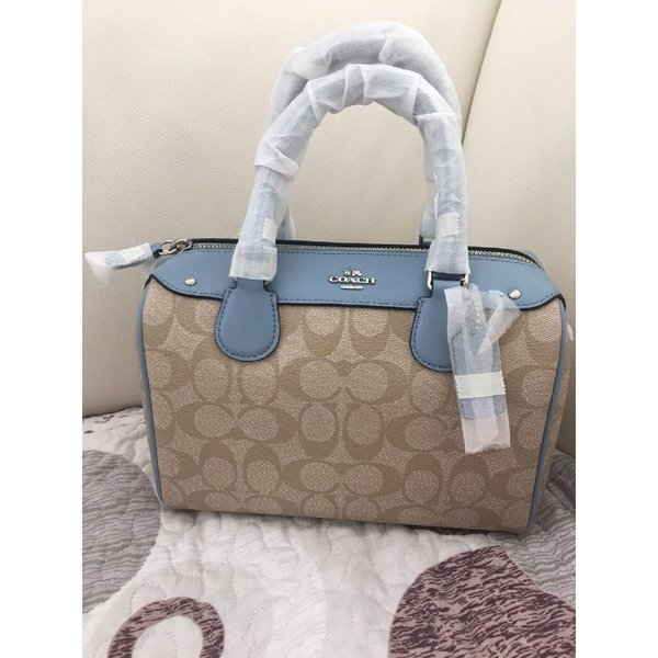 Used Authentic coach bag & matching wristlet in Dubai, UAE