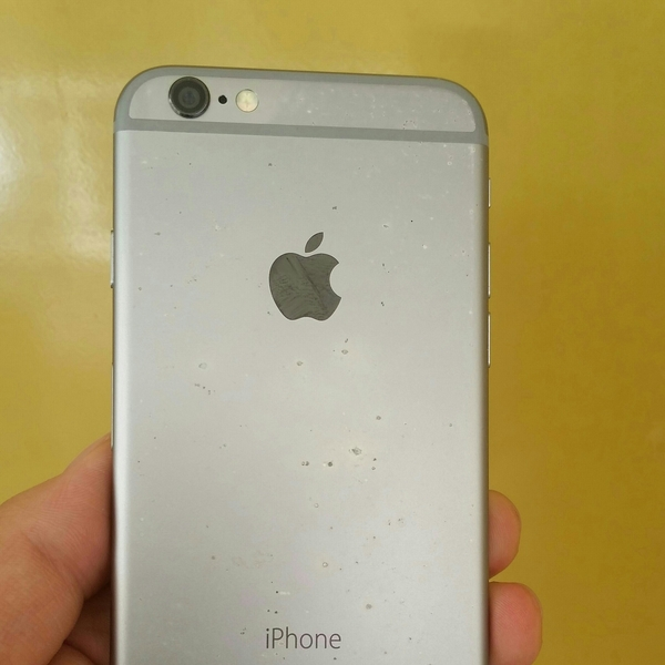 Used Apple ID Lock By iCloud 64 GB Iphone 6 Only Part Use, if you Have idea Lock Open, Phone Working. in Dubai, UAE