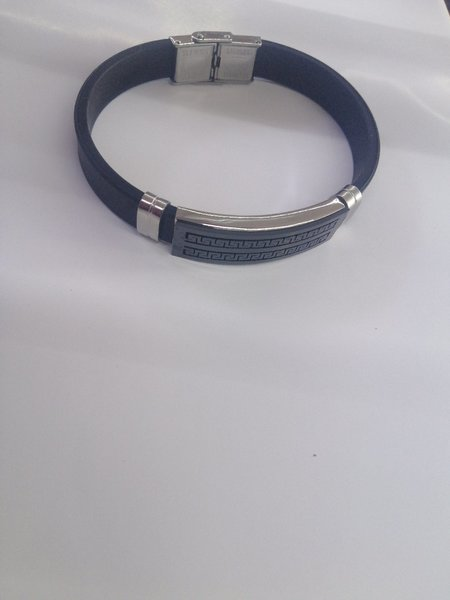Used Mens trading bracelet in Dubai, UAE