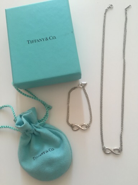 Used Tiffany & co Infinity necklace in Dubai, UAE