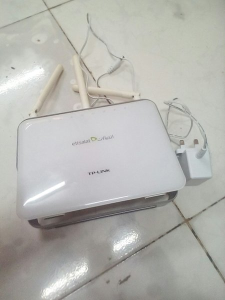 Used Etisalat Tp Link Router in Dubai, UAE