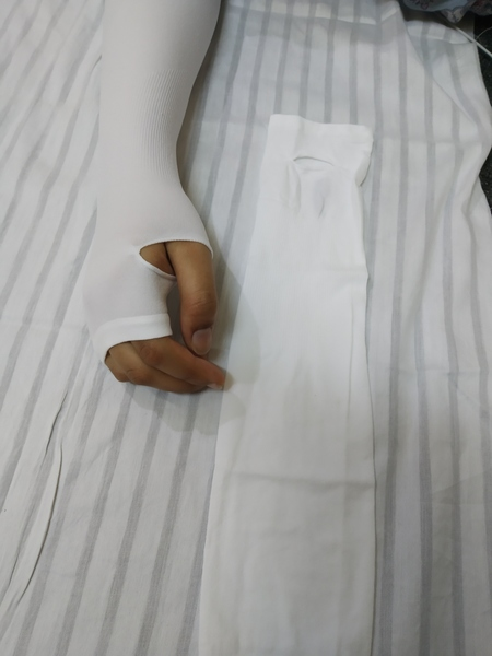 Used Sleeves (3 pcs 10 AED) in Dubai, UAE