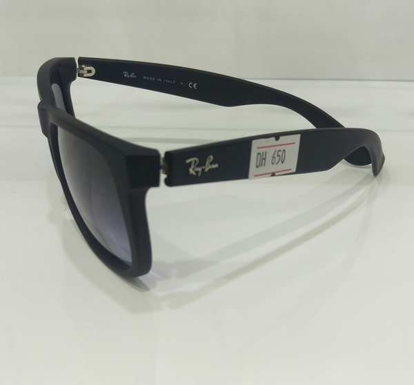 Used RayBan Justin Polarised Sunglass 💯% Og with bill & Warranty in Dubai, UAE