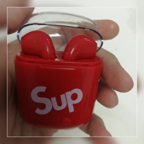 Used New earbuds sup brand with charging case in Dubai, UAE