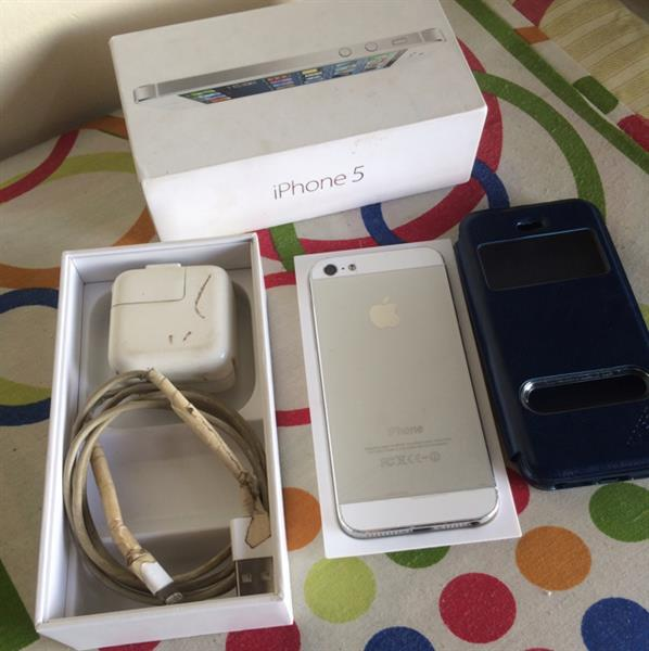 Used Iphone 5 16 GB White Mint Condition Perfect In And Out in Dubai, UAE