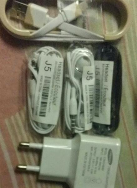 Used Samsung original hand Free And Charger in Dubai, UAE