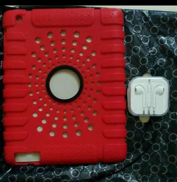 Used Rubberized Cover for Ipad 1/2/3 Red in Dubai, UAE