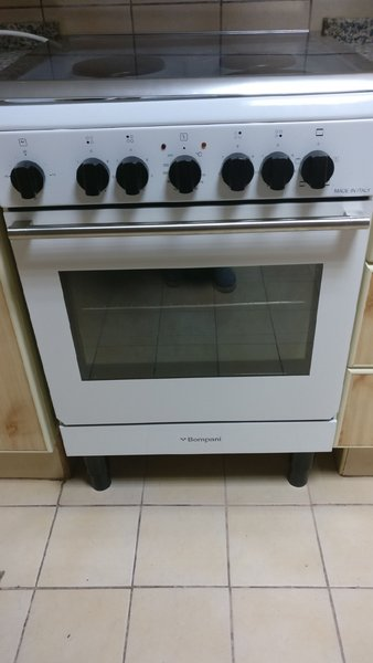 Used BOMPANI ELECTRIC COOKER, OVEN , BURNER in Dubai, UAE