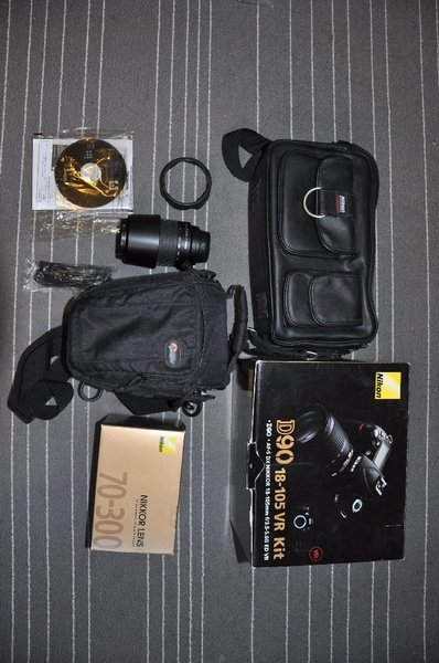 Used NIKON D90 FOR SALE! w/ extra lens in Dubai, UAE
