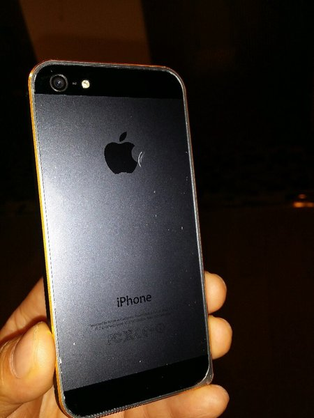 Used IPhone 5 Original 16 GB Charger & Cover. in Dubai, UAE