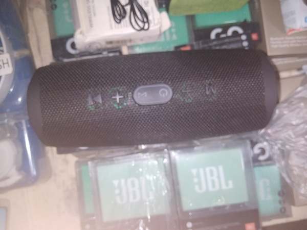 Used CHARGER4 BLUTOTH SPKR  BST QLTY JBL COPY in Dubai, UAE