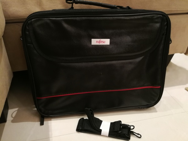 Used Fujitsu laptop bag in Dubai, UAE