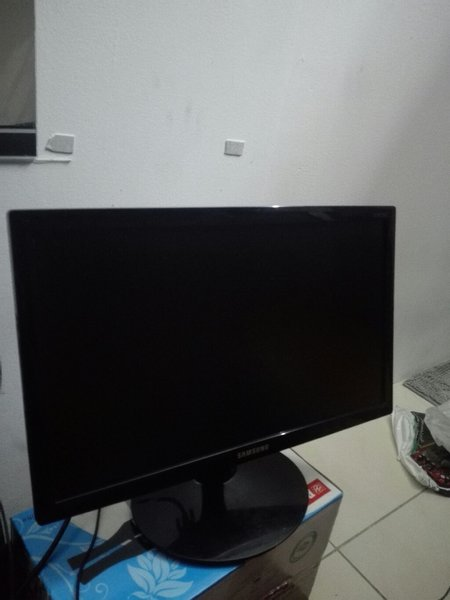 Used Samsung Led monitor 19inch in Dubai, UAE