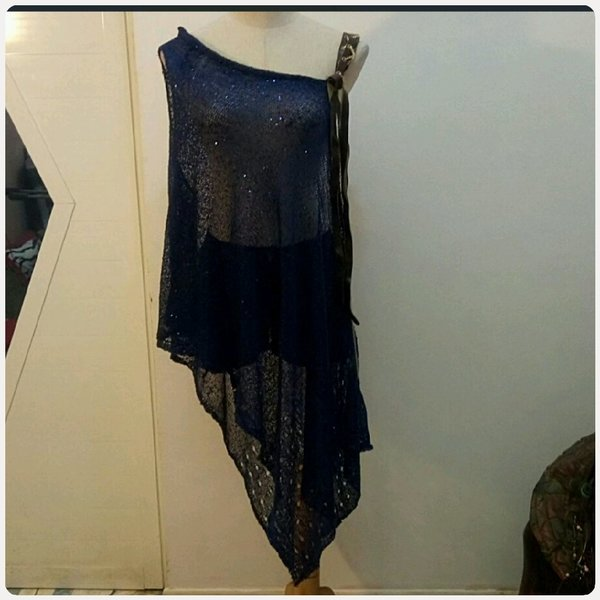 Used Fabulous navy blue offshoulder TOP in Dubai, UAE