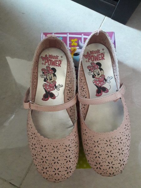 Used Minnie mouse shoe in Dubai, UAE