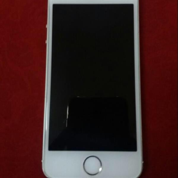 Used Iphone 5s 16gb Gold 4G lte With Charger. Full Clean. Fingerprint Disable in Dubai, UAE