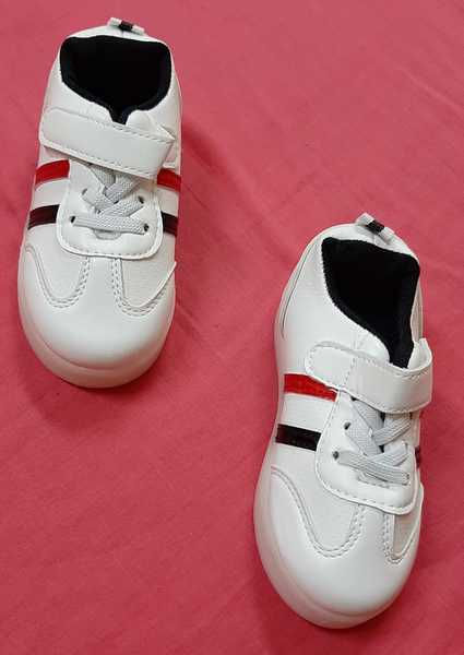 Used Sport shoes for kid size 26 in Dubai, UAE