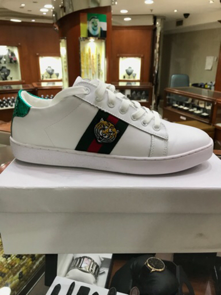 Used Gucci shoes. 3 shoes in Dubai, UAE