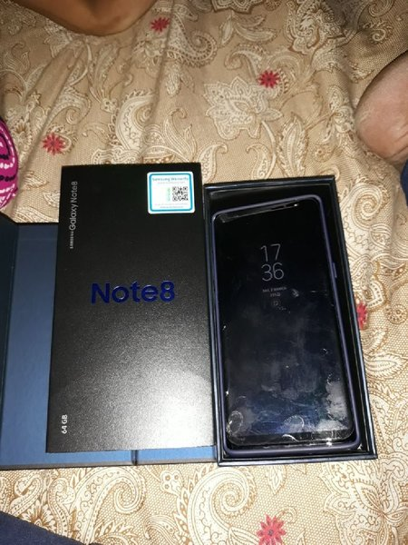 Used Note 8 with 6 months protection warrant in Dubai, UAE