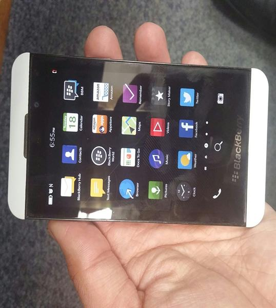 BlackBerry Z10 , 16 Gb ,2Gb Ram 4G