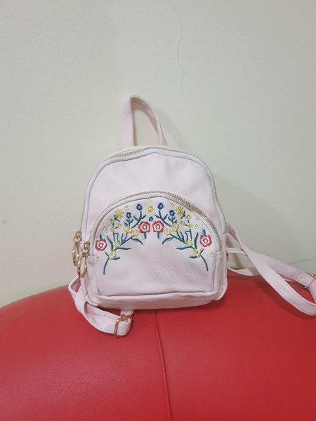 Used Small bagpacka and black sling bag in Dubai, UAE