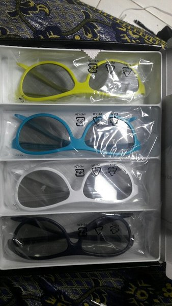Used LG Cinema 3D Glasses in Dubai, UAE