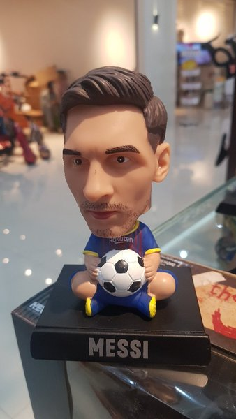 Used Wow see messi and famous players 😍 in Dubai, UAE