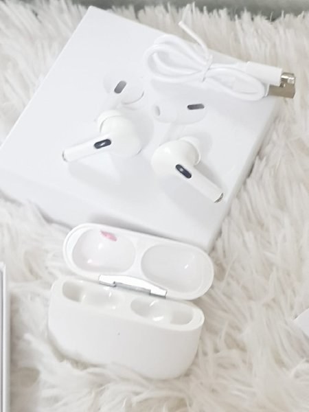 Used White airpod3 For iso android in Dubai, UAE