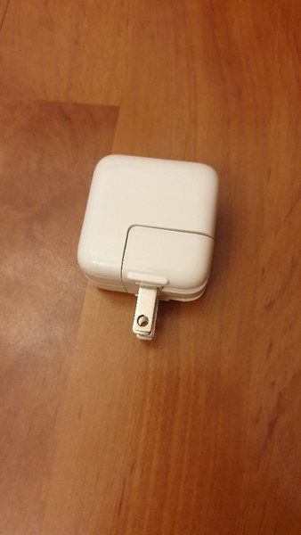 Used apple charger in Dubai, UAE