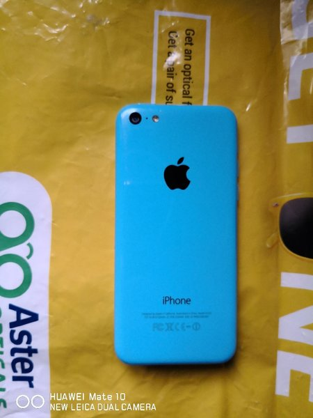Used Iphone 5C. As is condtn. Read descriptn in Dubai, UAE