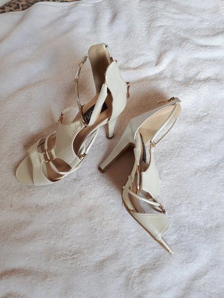 Used Brand New cuple sandal size-36 in Dubai, UAE
