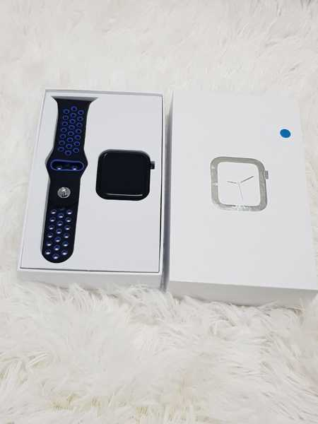 Used Smartwatch very good vvvv in Dubai, UAE