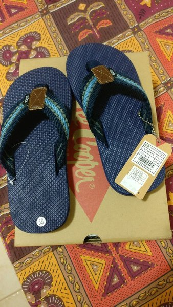 Used LEE COOPER SLIPPERS in Dubai, UAE