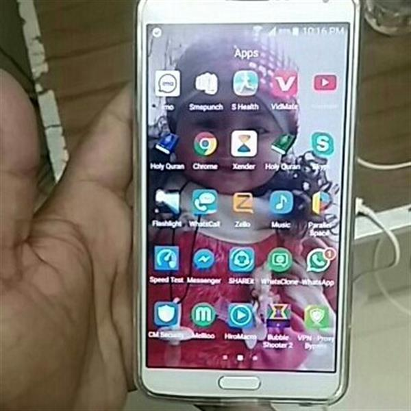 Used Samsung Glaxy Not 3 Very Good Condition Some Lady Use No Secret ch All Accesories in Dubai, UAE