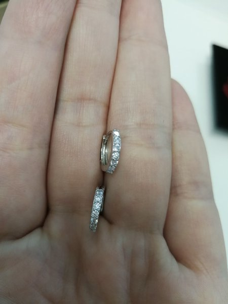 Used Nice small 2 hearts ring in flower box in Dubai, UAE