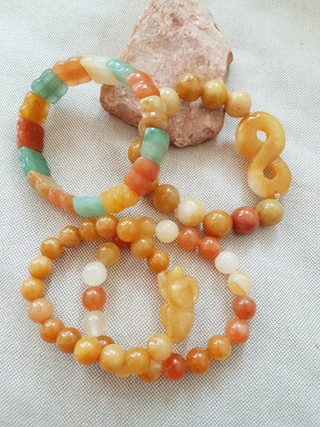 Used Bundle offer yellow jade bracelets in Dubai, UAE