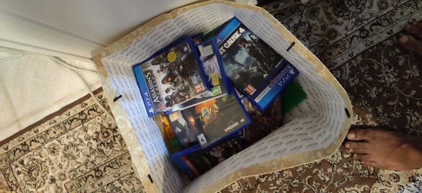 Used Ps4 with 13 games and two controllers in Dubai, UAE