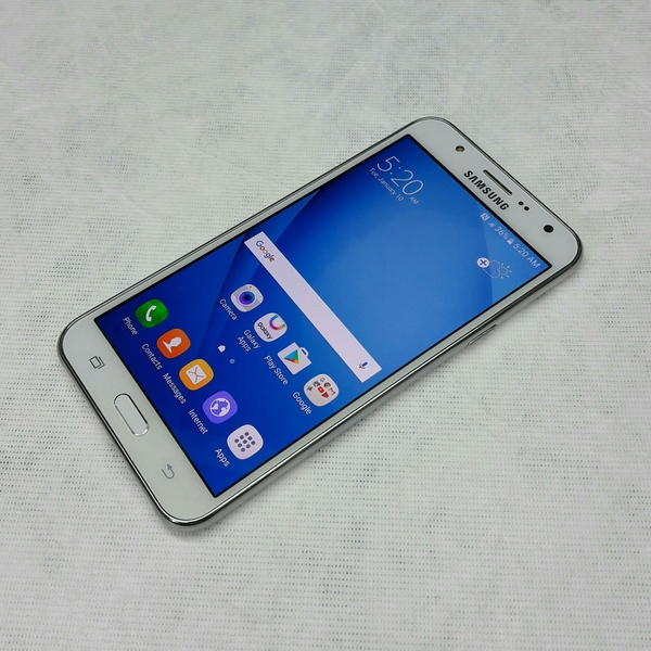 Used 16Gb Samsung Galaxy J7 (Used Mobile) in Dubai, UAE