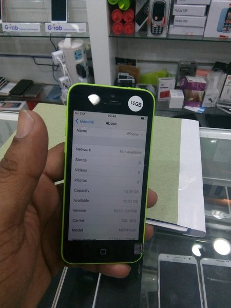 Used Iphone 5c used 16 gb  only mobile in Dubai, UAE