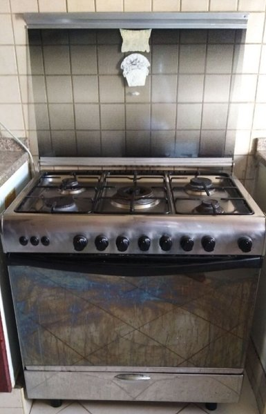 Used 5 stove gas burner in Dubai, UAE