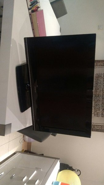 Used Hitachi tv 32inches in Dubai, UAE