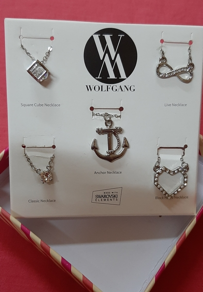 Used 2 sets of Wolfgang necklaces (10 pcs) in Dubai, UAE