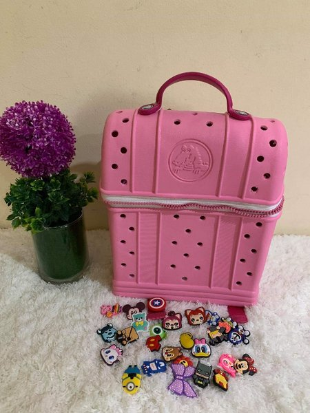 Used CROCS BAG FOR KIDS in Dubai, UAE