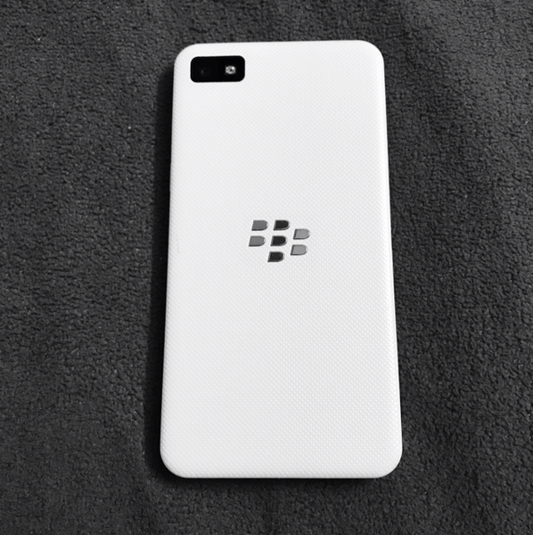 Used Blackberry Z10. White  ORGINAL.  in Dubai, UAE