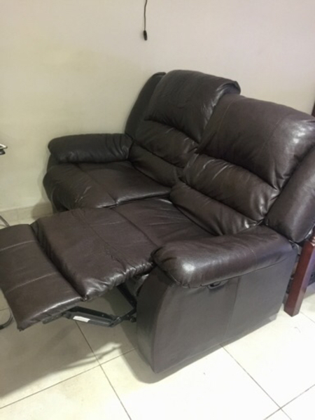 Used 2seater recliner chair in Dubai, UAE