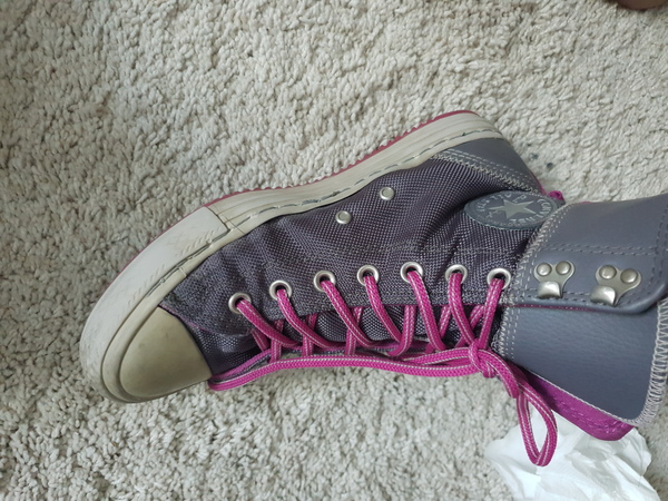 Used Converse Ladies Chuck Taylor All Star in Dubai, UAE