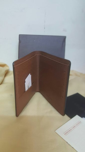 Used Men's Leather Wallet - High Quality Copy in Dubai, UAE