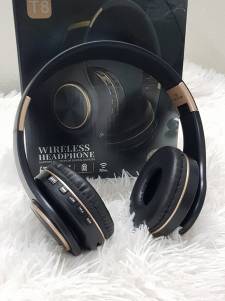 Used T8 bluetooth ( headphones in Dubai, UAE