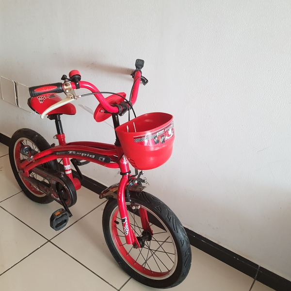 Used Boy bycicle for 6-10 years old in Dubai, UAE