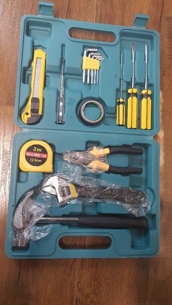 Used Perfect tool box for everyday use - new in Dubai, UAE